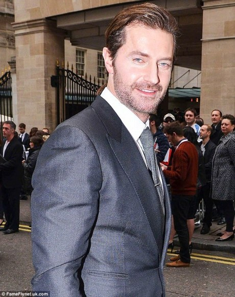 Richard Armitage with bedroom eyes
