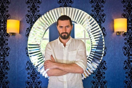 RichardArmitage as Svengali