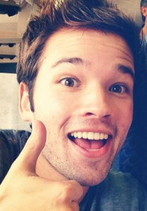 Nathan_Kress_thumbs_up